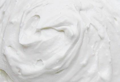 Crème épaisse transférée par la pompe volumétrique EGRETIER